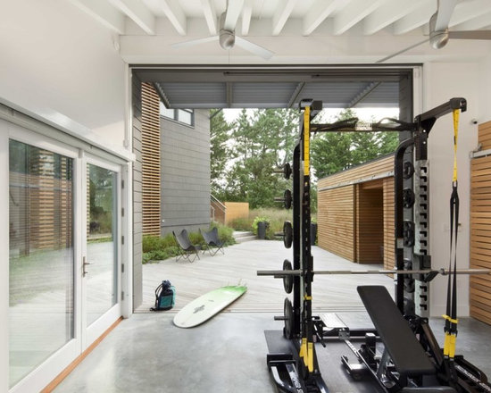 mini home gym beach style home gym design ideas pictures remodel decor
