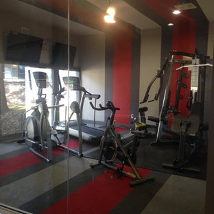 Mid-sized minimalist carpeted and multicolored floor multiuse home gym photo in Denver with gray walls