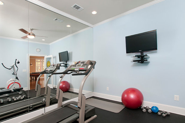 Traditional Home Gym by Victoria Renovations