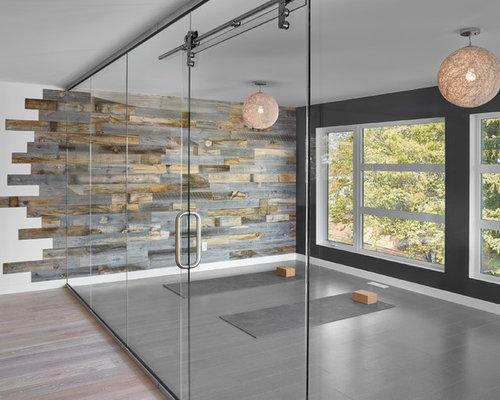 Fitnessraum mit bunten w nden ideen design bilder houzz for Boden fitnessraum