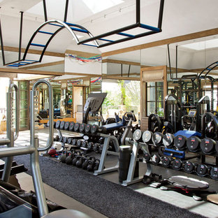Example of a classic home gym design in New York