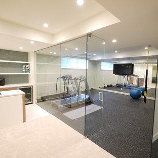 Idée de décoration pour une grande salle de sport minimaliste.