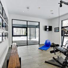 Contemporary Home Gym by Astuces Design