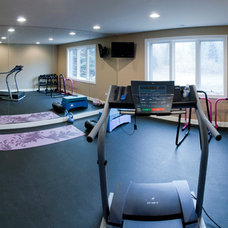 Modern Home Gym by Sebring Services