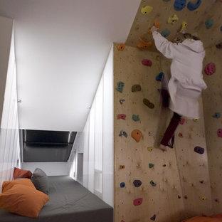 Immagine di una piccola parete da arrampicata bohémian con pareti bianche