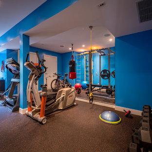 Multifunktionaler, Kleiner Moderner Fitnessraum mit blauer Wandfarbe, Keramikboden und schwarzem Boden in Vancouver