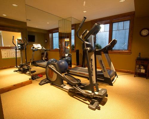 rustikaler fitnessraum einrichten spiegel home gym. Black Bedroom Furniture Sets. Home Design Ideas