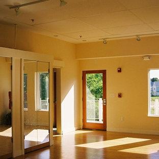Home gym - modern home gym idea in Boston