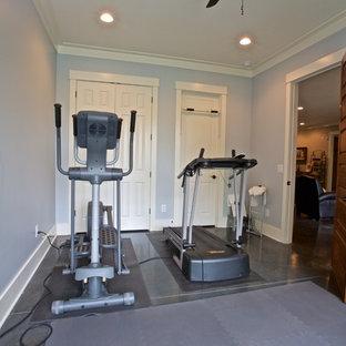 Idee per una piccola sala pesi classica con pareti grigie e pavimento con piastrelle in ceramica