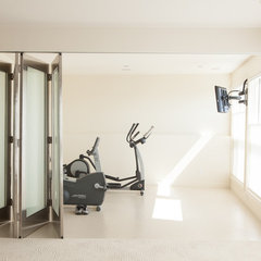 contemporary home gym by Habitat Studio & Workshop