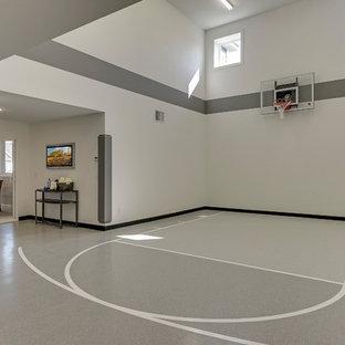 Idéer för vintage hemmagym med inomhusplan, med flerfärgade väggar och flerfärgat golv