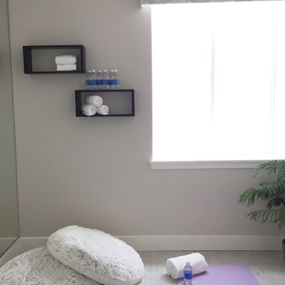 Idéer för mellanstora vintage hemmagym med yogastudio, med grå väggar, linoleumgolv och grått golv
