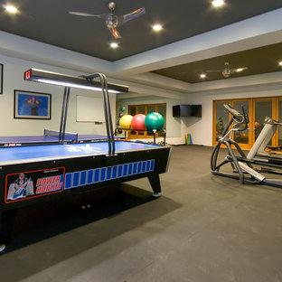 Удачное сочетание для дизайна помещения: домашний тренажерный зал в современном стиле с бетонным полом - самое интересное для вас