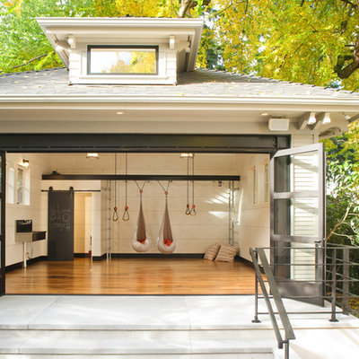 Inspiration for a contemporary home gym remodel in Seattle