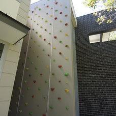 Contemporary Home Gym by Tricon Developments Pty Ltd