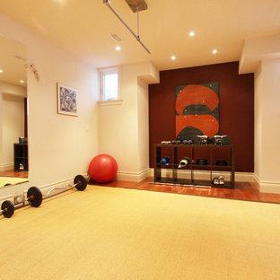 Home gym - modern home gym idea in Toronto