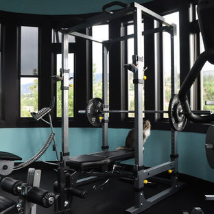 Example of a trendy home gym design in Vancouver