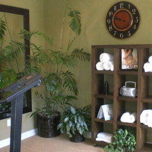 Example of an eclectic home gym design in Los Angeles