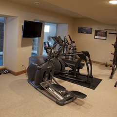 traditional home gym by Gryboski Builders Inc.