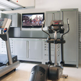 Inspiration for a contemporary home gym in Other.