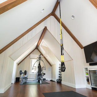 Inspiration for an arts and crafts home gym in Other.