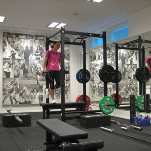 Minimalist home gym photo in Raleigh
