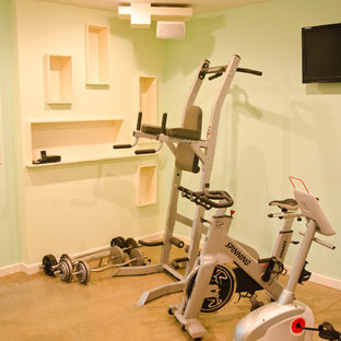 Design ideas for a midcentury home gym in Los Angeles.