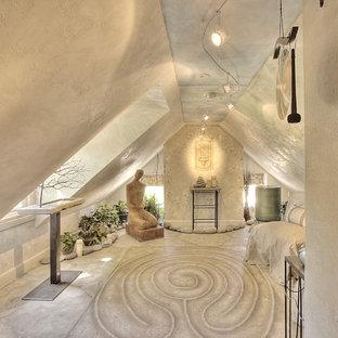 Новый формат декора квартиры: домашний тренажерный зал в средиземноморском стиле
