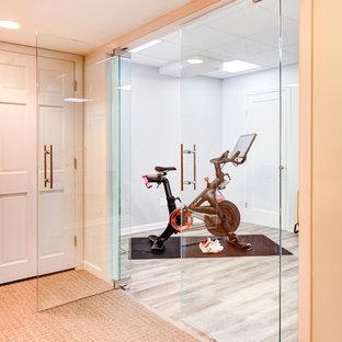 Inspiration för mellanstora klassiska hemmagym med grovkök, med grått golv