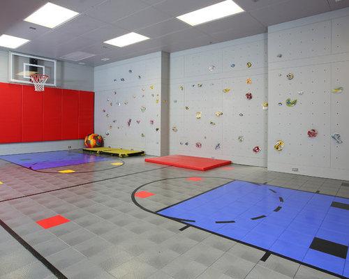Moderner fitnessraum mit indoor sportplatz ideen f r ihr for Boden fitnessraum