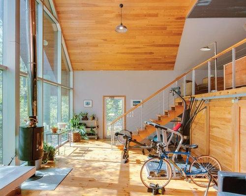 petite salle de sport avec un sol en bois clair photos et id es d co de salles de sport. Black Bedroom Furniture Sets. Home Design Ideas
