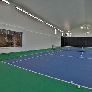 Idee per un grande campo sportivo coperto tradizionale con pareti grigie