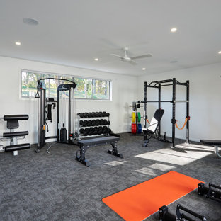 Mid-Century Fitnessraum in Gold Coast - Tweed
