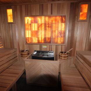 Idee per una palestra in casa classica di medie dimensioni con pareti beige e pavimento beige