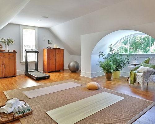 Top 30 Traditional Home Yoga Studio Ideas | Houzz