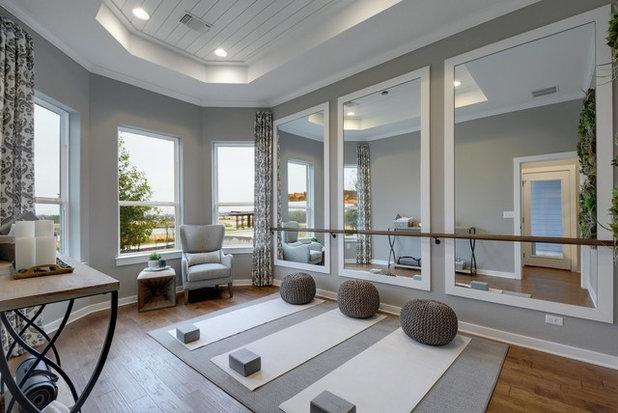 トランジショナル ホームジム by Dream Finders Homes