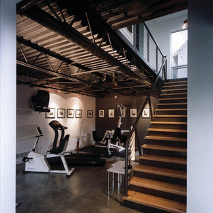 Inspiration for a modern home gym remodel in Detroit