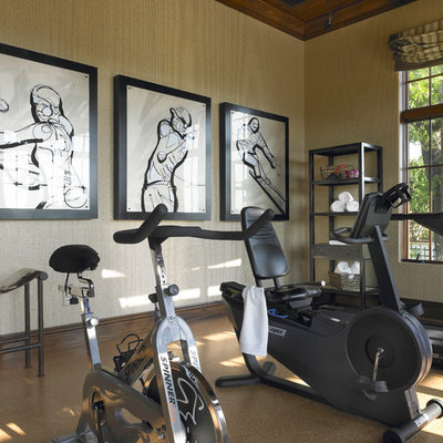 Inspiration for a transitional home gym remodel in Orlando