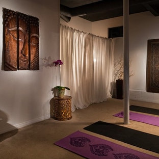 Asiatischer Yogaraum in Los Angeles