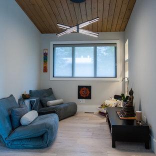 Esempio di una palestra in casa minimalista
