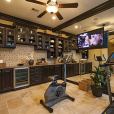 Traditional Home Gym by Meritage Homes