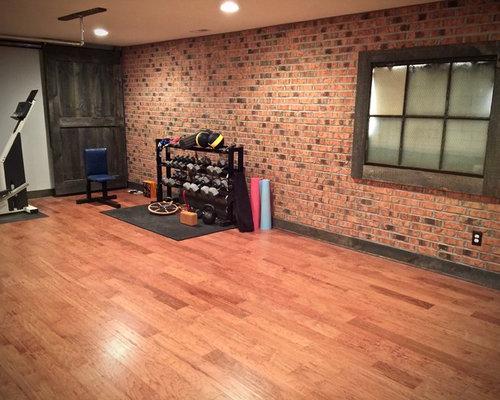 grande salle de sport industrielle photos et id es d co de salles de sport. Black Bedroom Furniture Sets. Home Design Ideas