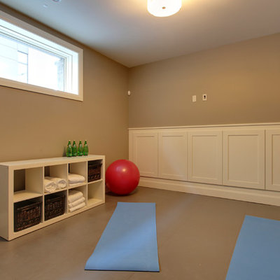 Home gym - traditional home gym idea in Calgary