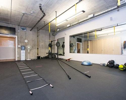 gro er fitnessraum mit korkboden ideen design bilder houzz. Black Bedroom Furniture Sets. Home Design Ideas