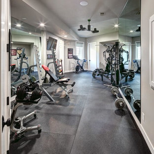 Inspiration for a timeless home gym remodel in Kansas City