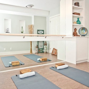 This is an example of a traditional home gym in Calgary.