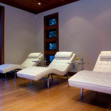 Contemporary Home Gym by Begrand Fast Design Inc.
