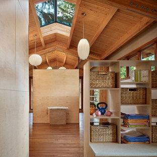 Home gym - modern home gym idea in Seattle