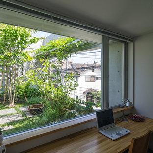 他の地域のおしゃれなホームオフィス・仕事部屋の写真