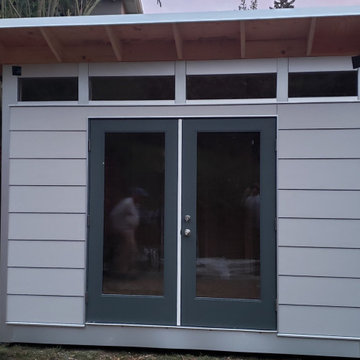 10x12 Signature Series with Lap Siding in Panda Gray